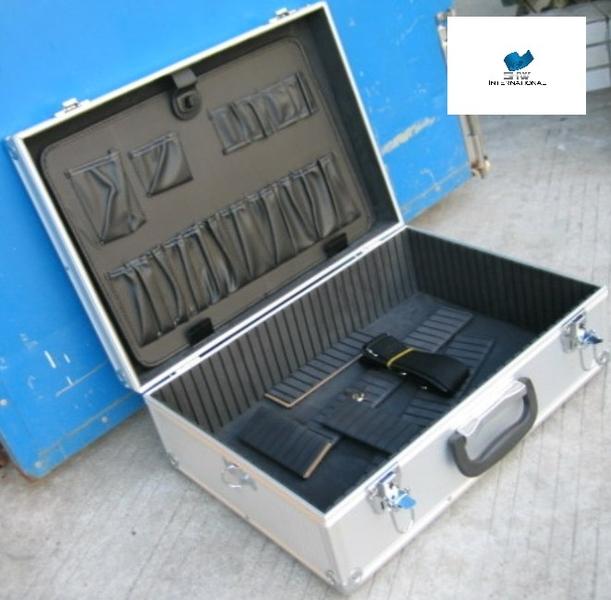 7029 werkzeugkoffer alu ohne inhalt sh sonderposten auf facebook. Black Bedroom Furniture Sets. Home Design Ideas